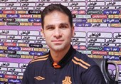 صادقی: باشگاهها در مورد کرونای بازیکنانشان بزرگنمایی نمیکنند/ آماده یک بازی خیلی خوب مقابل سپاهان هستیم