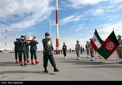 ورود پیکر مطهر شهید نسیم افغانی به فرودگاه مشهد