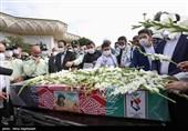 آغاز مراسم وداع با پیکر شهید نسیم افغانی در حرم رضوی/ حضور پرشور خدام و خانواده شهدای فاطمیون