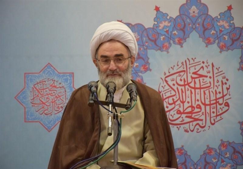 نماینده ولیفقیه در گیلان: اقامه نماز در گزینش ادارات باید مورد توجه قرار گیرد