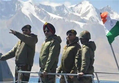 نیروی دریایی ارتش هند قایقهای خود را در دریاچه مرزی با چین مستقر میکند