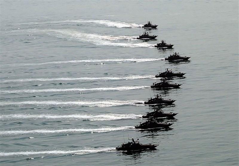 فرمانده منطقه یکم نیروی دریایی سپاه: دائماً آمریکاییها را در خلیج فارس رصد میکنیم / پاسخ قاطعی به هرگونه تجاوز میدهیم + فیلم