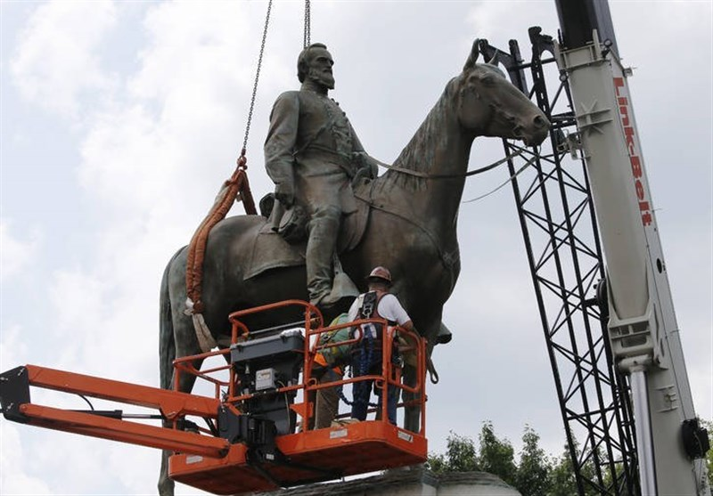 Confederate Monument Removed amid Anti-Racism Protests in Virginia (+Video)