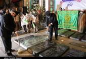 حضور خدام رضوی در مزار شهید قاسم سلیمانی در کرمان به روایت تصویر