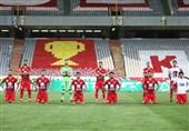 حاشیه دیدار پرسپولیس - شاهین| حضور اسکوچیچ در ورزشگاه، رعایت فاصله اجتماعی در عکس تیمی و صدای تشویق نوروزی + تصاویر