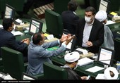 درباره حواشی حضور ظریف در مجلس/ رادیکالیسم به نفع وضع موجود! + فیلم