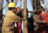 واکنش برخی کارکنان صنعت نفت به گزارش تسنیم: حقوق شمار زیادی از کارکنان رسمی تناسبی با کار در شرایط سخت ندارد