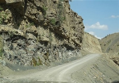 گزارش  کلاف سردرگم مسیر «تلنگ» به قصرقند؛ ۱۸ هزار نفر مردم منطقه راه دسترسی به مرکز شهرستان ندارند