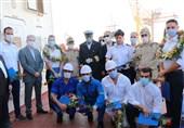 استقبال از نفتکش اعزامی ایران به ونزوئلا در بندر بوشهر / خدمه کشتی گلباران شدند
