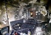 خاکستر شدن اتاقخواب در آتشسوزی/ نجات زوج سالخورده از میان دود + تصاویر