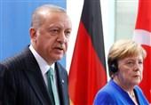 اردوغان در تماس با مرکل: سازمان ملل باید به افغانستان و کشورهای همسایه درباره مهاجران کمک کند