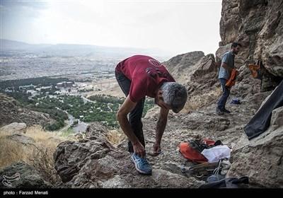 عنوان تمرین صخرهنوردی در کرمانشاه