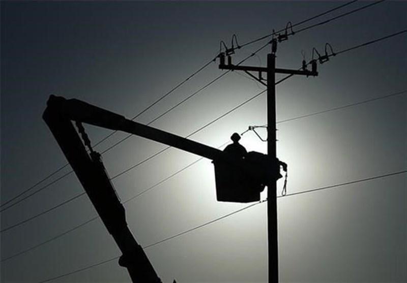 انتقاد شهروندان کاشانی از قطعی مداوم برق/ چرا برق را در اوج گرما قطع میکنید؟