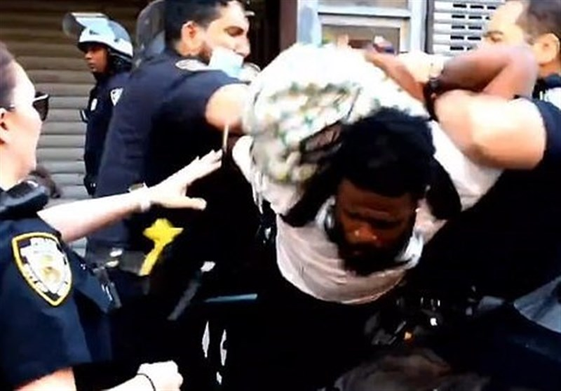 NYPD Officer Fires Taser at Anti-Racism Protester (+Video)