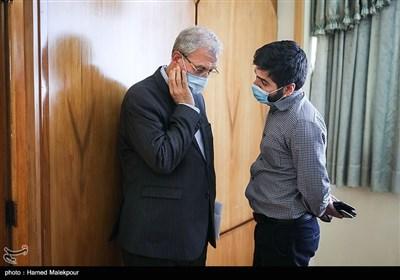 گفتوگوی احسان آریا خبرنگار خبرگزاری تسنیم با علی ربیعی سخنگوی دولت در پایان نشست خبری