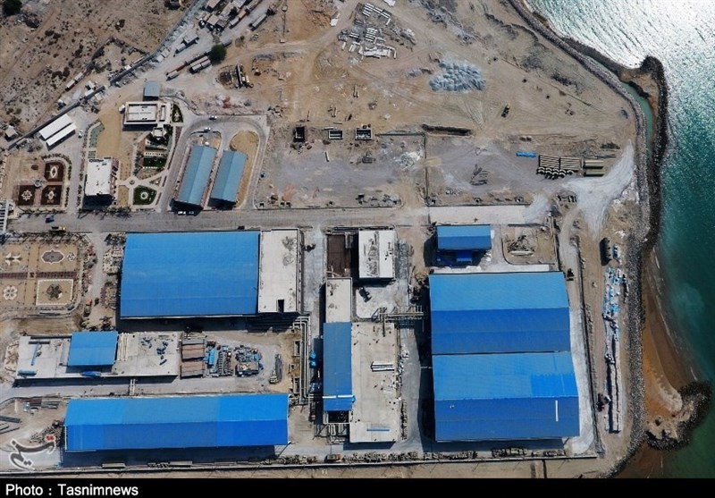 President Rouhani Launches Major Water Desalination Project in Iran's South