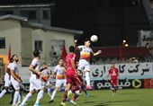 شکایت باشگاه فولاد خوزستان از داور دیدار با نساجی