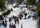 کراچی میں شدید بارش ، اکثرعلاقوں میں بجلی غائب، شہری شدید مشکلات کا شکار
