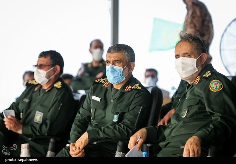سردار امیرعلی حاجیزاده در مرحله نهایی رزمایش موشکی و دریایی سپاه پاسداران انقلاب اسلامی با نام «پیامبر اعظم(ص)14»