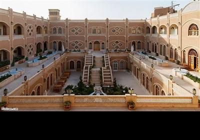 حاج عبدالخالق داد نے تعمیر کرایا تھا۔