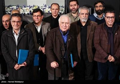 زندهیاد خسرو سینایی کارگردان، فیلمنامهنویس و مستندساز سینمای ایران