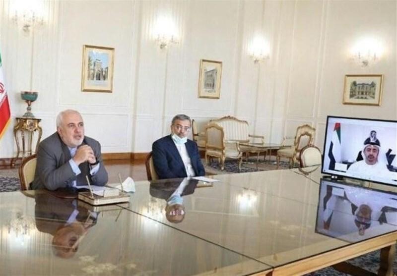 وزیرا الخارجیة الایرانی والاماراتی یؤکدان على تعزیز التعاون بین البلدین
