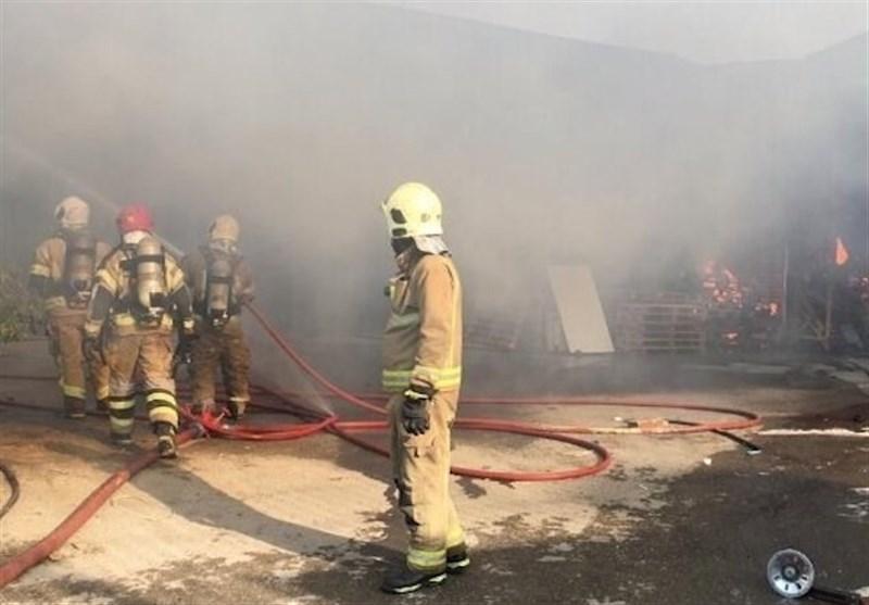 Fire Erupts in Industrial Area Near Tehran (+Video)