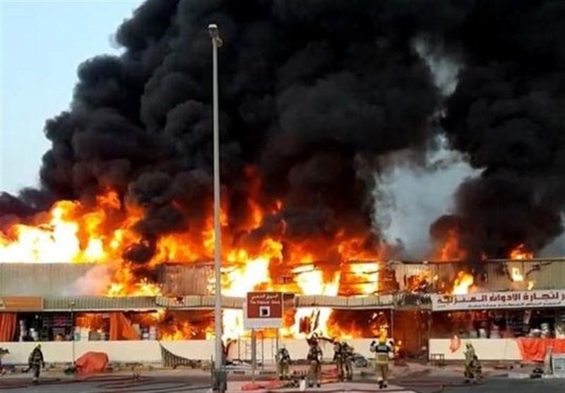 Huge Fire Breaks Out in Fruit Market in UAE's Ajman