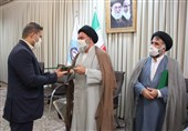 نماینده ولیفقیه در استان کردستان از مدیر دفتر استانی خبرگزاری تسنیم تجلیل کرد