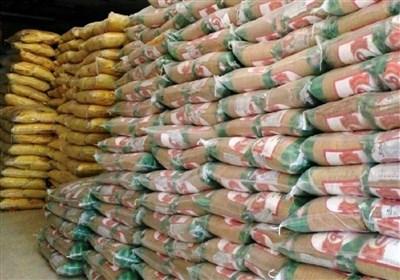 بوشهر| 3000 تن برنج وارداتی معطل تأمین ارز نیمایی/ چرا بانک مرکزی با گذشت 5ماه اجازه ترخیص کالای اساسی را نمیدهد؟