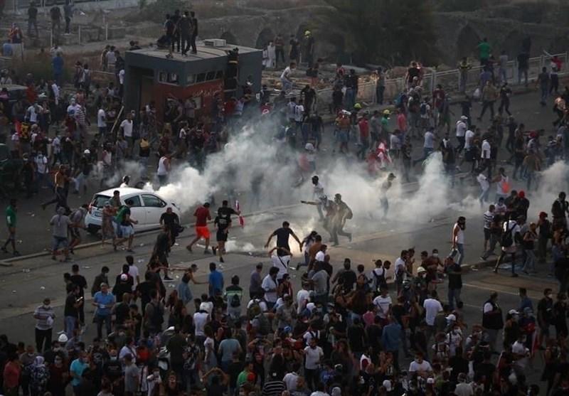 شب ناآرام بیروت/ حمله مهاجمان به چندین وزارتخانه