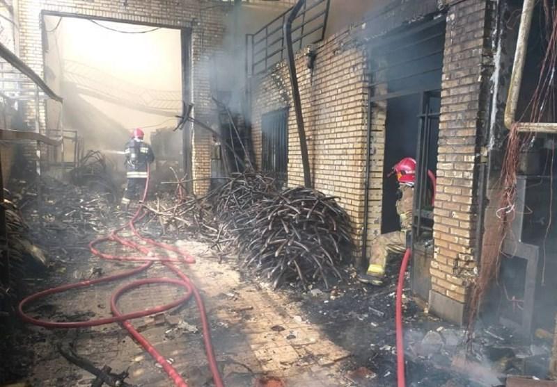 آتشسوزی گسترده چند سوله در شهرک صنعتی چهاردانگه + فیلم و تصاویر