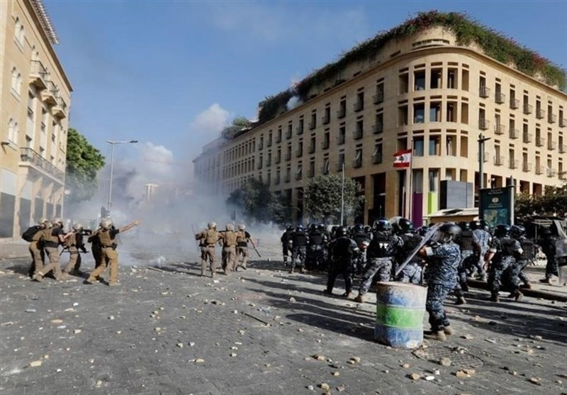 دومین شب ناآرامیهای لبنان/ هشدار ارتش به خشونتطلبان/ حمله مهاجمان به برخی وزارتخانهها