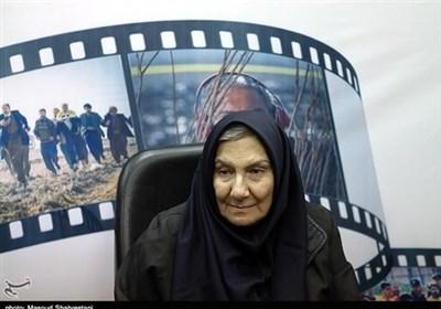 خاطرهبازی با فریده سپاه منصور: وقتی لبنیاتی به خانم بازیگر شیر نمیفروخت/ بد بازی کردن را خیانت به مردم میدانم
