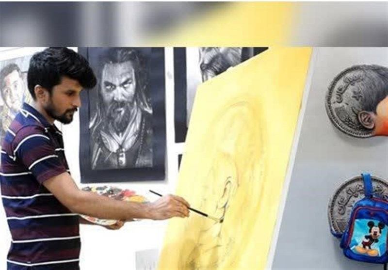 پاکستان میں تخیلاتی ذھن کے حامل لوگوں کی کمی نہیں، سکوں کی زبان سے اپنے فن کا مظاہرہ کرنے والا صحرائے تھر کا نوجوان