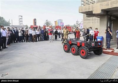 رونمایی از جدیدترین تجهیزات آتشنشانی تهران/ از پهپاد شناسایی محل آتشسوزی تا ربات مانیتور اطفاء + تصاویر