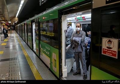 مردم، تقاضای سفر با مترو را مدیریت کنند/ افزایش استفاده از ماسک در مترو