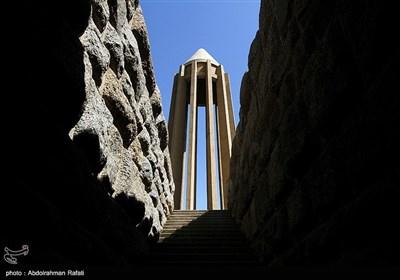 آرامگاه بوعلی سینا - همدان