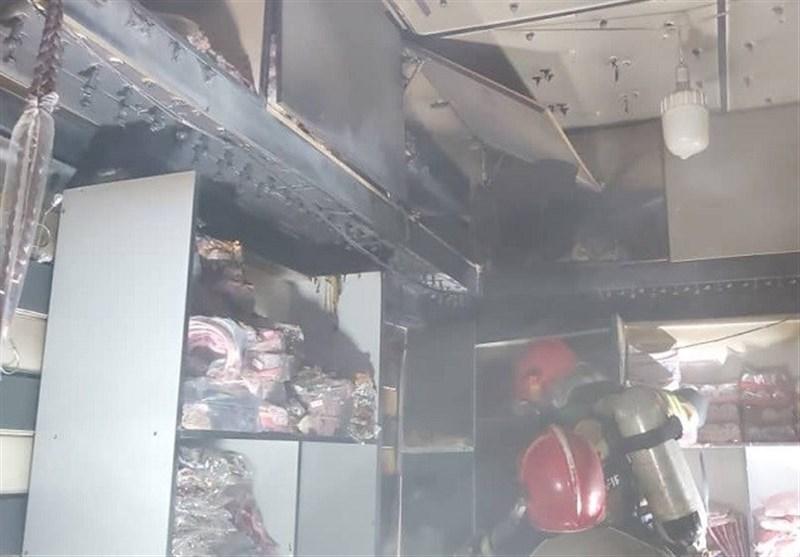 آتشسوزی در یک پاساژ در بازار تهران + فیلم و تصاویر