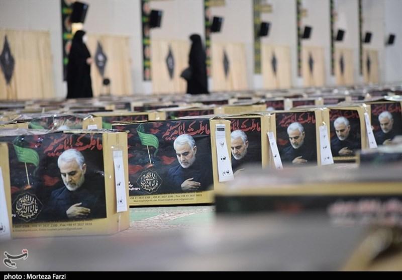 ابتکار زیبای بسیجیان یک هیئت شیروانی / وقتی کارگران گذری پای «سفره امام حسین(ع)» مینشینند + فیلم