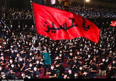 Iranian Muslim Mourners Renew Allegiance to Imam Hussein's Ideals on Day of Ashura