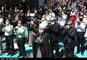 امام جمعه قزوین در گفتوگو با تسنیم: اقامه نماز امام حسین(ع) در ظهر عاشورا، عظمت این فریضه دینی را به مسلمانان جهان نشان میدهد + فیلم