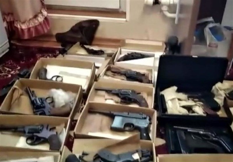 باند قاچاق اسلحه در کرمانشاه منهدم شد/کشف 99 قبضه اسلحه شکاری و 8 قبضه کلت کمری از متهمان