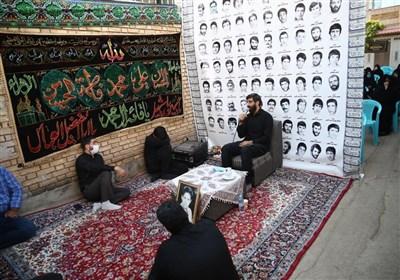 نریمانی هر روز برای یک شهید روضه میخواند + عکس