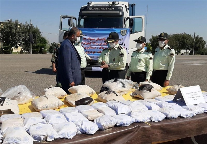 درگیری مسلحانه پلیس با قاچاقچیان مواد مخدر / کشف یک تن و 99 کیلو مواد افیونی در جنوب شرق