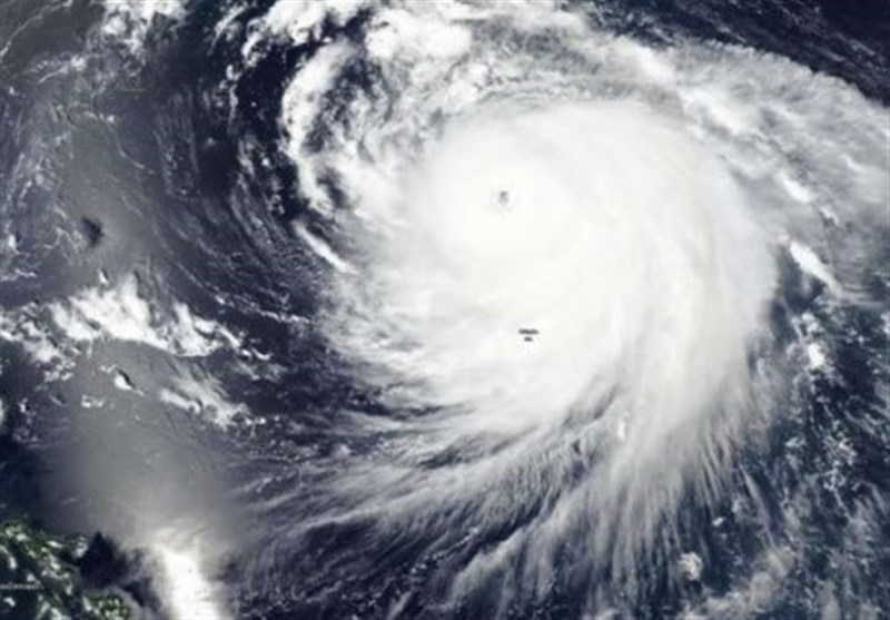 باد و طوفان در مشهد مقدس / سرعت وزش باد به 70 کیلومتر در ساعت رسید