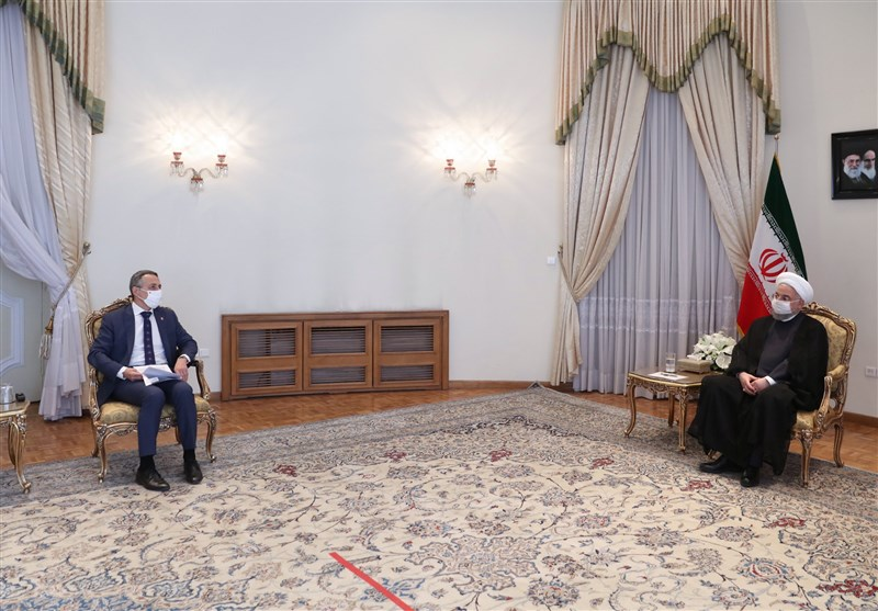 روحانی خطاب به وزیر خارجه سوییس: مردم ایران در برابر گردن کشی تسلیم نخواهند شد