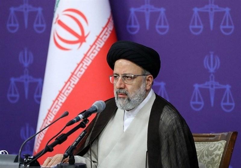ورود رئیس قوه قضائیه به اردبیل / رئیسی: اردبیل استان نامآوری در دفاع از ارزشها، تشیع و انقلاب اسلامی است