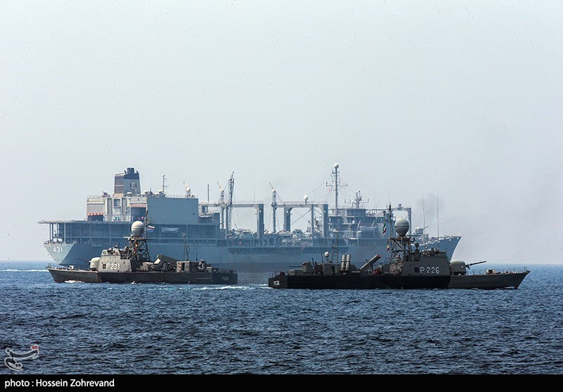 Iranian Army Wraps Up War Game in Southern Waters