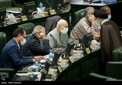 """البرلمان الإیرانی یوافق على مناقشة قانون """"الإجراء الاستراتیجی لإلغاء العقوبات"""" بصفة عاجل جداً"""